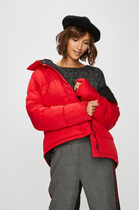 kurtka zimowa czerwona